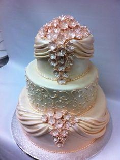 Peach & pearl wedding cake