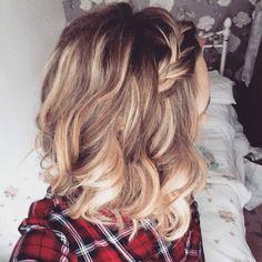 Wavy Bob braid plaits short hair curls blonde hair