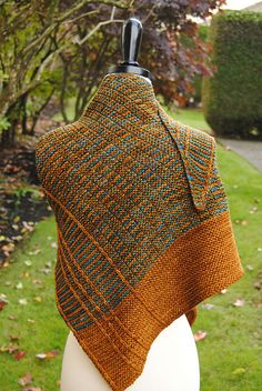 Lochlyn Shawl pattern by Judy Marples