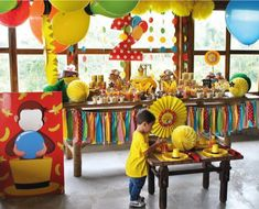 Divertidas ideas para fiestas de Jorge el curioso | Tarjetas Imprimibles Second Birthday Boys, 3rd Birthday Parties, Boy Birthday, Birthday Ideas, Curious George Party, Curious George Birthday, Party Decoration, Balloon Decorations, Curios George