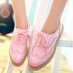 Pastel pink wingtips HOT-Brogue-womens-oxfords-lace-up-slip-on-leisure-wing-tip-platform-shoes-Punk Sock Shoes, Cute Shoes, Me Too Shoes, Shoe Boots, Women's Shoes, Brogues Womens Outfit, Oxford Shoes Outfit, Brogues Outfit, Oxford Flats