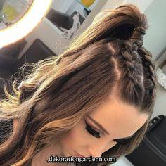 Stunning prom hair ideas for 2019 15 Braided Homecoming Hairstyles, Hair Upstyles, Brown Blonde Hair, Black Hair, Braids For Long Hair, Grunge Hair, Hair Videos, Hair Looks, Hair Trends
