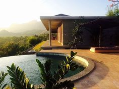 North West Bali private villa retreat in Sumberkima Hill. Close to Menjangan Island snorkel and dive paradise. Panoramic views on the hills, vulcanos and the sea. A great Bali experience !