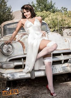 https://www.facebook.com/PinUpManiacs/photos/a.1045383878880428.1073742013.462831297135692/1190877537664394/?type=3