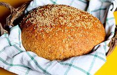 Kuch.com.pl: CHLEBEK RAZOWY PSZENNO-ŻYTNI Z CZARNUSZKĄ, SŁONECZKIEM I SEZAMEM Hamburger, Bread, Food, Brot, Essen, Baking, Burgers, Meals, Breads