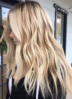 beachy blonde waves and highlights
