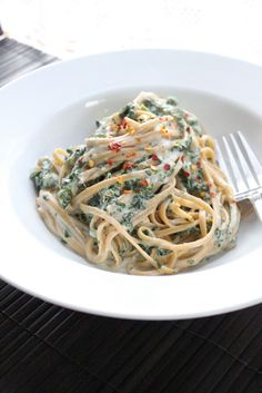 Skinny Fettuccine Alfredo with Spinach