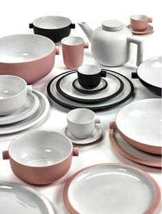 Serax Pink and White Deep Plate - Trouva Ceramic Table, Glass Ceramic, Ceramic Plates, Kitchenware, Tableware, Kitchen Stories, Family Set, Decoration, Dinnerware