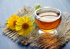 The Healthiest Types of Tea You Need to Drink Daily Teesorten: Verschiedene Teesorten und ihre Vorteile, Koffeingehalt und mehr Vinegar Detox Drink, Apple Cider Vinegar Detox, Honey Benefits, Tea Benefits, Health Benefits, Cold Home Remedies, Natural Home Remedies, Detox Drinks, Healthy Drinks