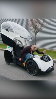 Custom Baggers, Car Gadgets, Futuristic Cars, Pedal Cars, Cool Inventions, Bicycle Design, Amazing Cars, Awesome, Go Kart