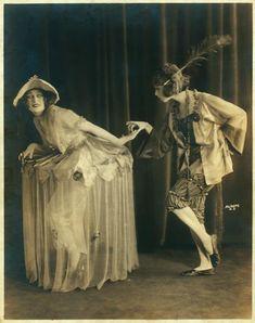 Three Little Maids / photograph by Aldene - ID: variety_0001vb - NYPL Digital Gallery