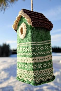 Best thing I've seen to make me smile today! Birdhouse sweater ...