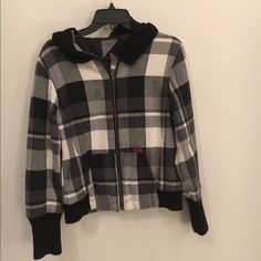 Volcom Jacket Super comfy/warm jacket!!  Worn several times and has very little pilling.  Great overall condition! Volcom Jackets & Coats