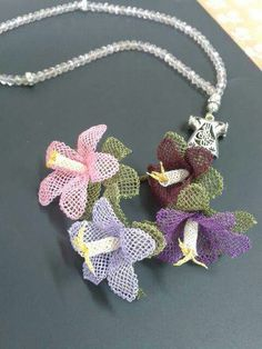 I Ribbon Projects, Lace Art, Bead Crochet, Mandala, Make It Yourself, Christmas Ornaments, Holiday Decor, Crafts, Jewelry