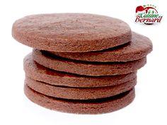 http://www.lacuisinedebernard.com/2015/11/les-sables-au-cacao.html sablés au cacao: 70g de sucre 115g de beurre demi-sel 20g d'œuf 160g de farine 30g de cacao en poudre non sucré