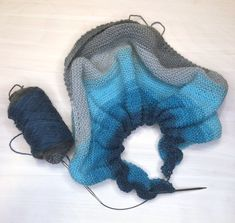 RV Designs Beginner's best - Shawl One free knit pattern free knit shawl pattern DK weight yarn Free Knit Shawl Patterns, Prayer Shawl Patterns, Free Pattern, Scarf Patterns, Pattern Ideas, Lion Brand Mandala Yarn, Stretchy Bind Off, Knitted Shawls, Crochet Shawl