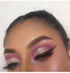 Lila und Glitzeraugen Make-up - Makeup Tutorial Foundation Makeup On Fleek, Cute Makeup, Gorgeous Makeup, Glam Makeup, Pretty Makeup, Skin Makeup, Eyeshadow Makeup, Makeup Inspo, Makeup Inspiration