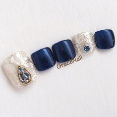 Pedicure Designs, Toe Nail Designs, Pretty Toe Nails, Cute Toe Nails, Fancy Nails, Asian Nail Art, Asian Nails, Acrylic Nails Coffin Pink, Toe Nail Art