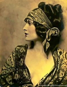 Evelyn Brent, October 20, 1901 to June 4, 1975. Miss Brent was an American silent film and stage actress.