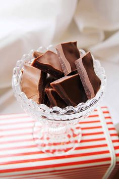 Daim-makeiset You Are Awesome, Vegan Recipes, Koti, Sweets, Candy, Chocolate, Baking, Desserts, Kitchen