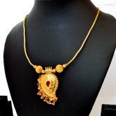 elegant-necklace-with-mango-pendant