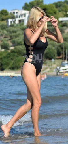 """Φαίη Σκορδά: Μάθε τη δίαιτα της παρουσιάστριας για κορμί... """"όνειρο'! - ΔΙΑΙΤΕΣ ΤΩΝ ΕΠΩΝΥΜΩΝ - YOU WEEKLY Swimsuits, Bikinis, Swimwear, Healthy Tips, Active Wear, Health Fitness, Hair Beauty, Swimming, One Piece"""