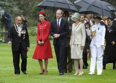 4/7/2014: Māori welcome ceremony at Government House, with Governor-General Sir Jerry Mateparae, Prince William, & Lady Janine Mateparae (Wellington, New Zealand)