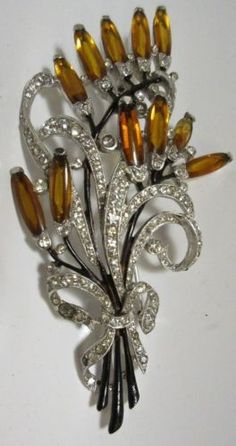Vintage-Trifari-Rhinestone-Brooch-Pin-HUGE-Figural-Flower-Spray-Enamel-1940