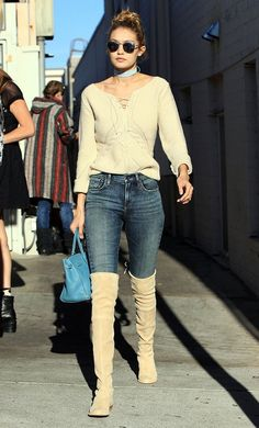 Model Gigi Hadid and some friends are spotted out for lunch at Il Pastaio in Beverly Hills, California on November 17, 2015. Afterwards the group of friends stopped by a nail salon to get their nails done.