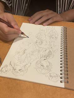Character Sketches, Art Sketches, Anime Art Girl, Manga Art, Cute Art Styles, Slayer Anime, Felt Toys, Disney Villains, Anime Style
