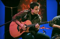 Paramore guitarist Josh Farro performs on 'MTV Unplugged. Mtv Unplugged, Pop Punk, Paramore, Rare Photos, Cool Bands, Good People, Gallery, Awesome, Collection