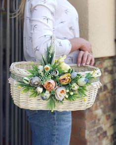 Indian Wedding Gifts, Desi Wedding Decor, Easter Table Decorations, Basket Decoration, Rustic Flowers, Fake Flowers, Newspaper Flowers, Wedding Gift Baskets, Gift Wrapping Bows
