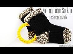 Knitting loom socken diy tutorial 43 new ideas Knitting Loom Socks, Round Loom Knitting, Loom Knitting Stitches, Knifty Knitter, Loom Knitting Projects, Knitting Videos, Knitting For Beginners, Knit Socks, Cross Stitches