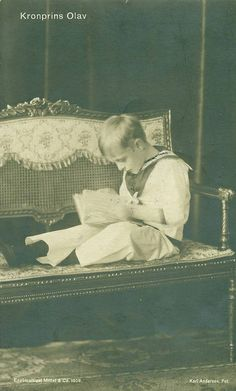 König Olav V. Von Norwegen, King of Norway 1903 – 1991 Maud Of Wales, Norwegian Royalty, Blonde Moments, Victorian Life, Prince And Princess, Pictures To Paint, Royal Families, Historical Photos, Windsor