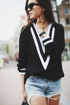 Fall Fashion Sweater Deep V Neck Black and White Loose Sweater is casual comfortable and perfect to wear with a pair of ripped jean shorts and cool shades! - Lyfie