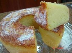 É feito em só 2 passos simples. Comece bem o domingo com essa belezura! - Aprenda a preparar essa maravilhosa receita de Bolo de queijo