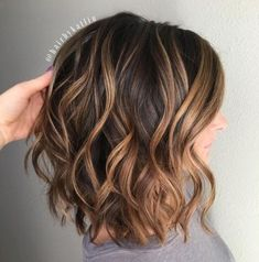 70 Brightest Medium Layered Haircuts to Light You Up - Wavy Chocolate Bob With Caramel Highlights - Chocolate Brown Hair Color, Brown Hair Colors, Chocolate Hair, Medium Hair Styles, Curly Hair Styles, Medium Curly, Hair Color Ideas For Brunettes Balayage, Medium Length Hair Cuts With Layers, Medium Layered Haircuts