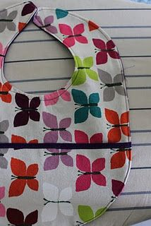 DIY pocket bib for baby from @prudentbaby  #baby #sewing via @Dritz Sewing