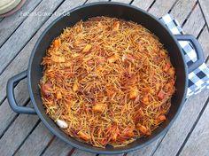 Posted by: Gemma Biosca     Aún recuerdo la primera vez que comí una fideuá. Fue en casa de uno de mis hermanos... Aquella vez la hizo co...