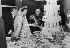 king-hussein-and-queen-dina-1955.jpg