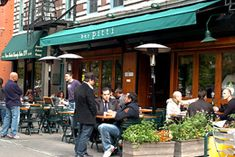 15 restaurants in NYC where you take chances to meet a celebrity!  Courtney we are going to this Starbucks!!!