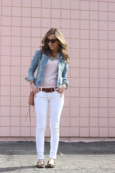 Spring neutrals - Jeans Jacket - Ideas of Jeans Jacket - White Jeans- Check Jean Jacket- Check Cute leopard flats- Check! light pink top- May have to purchase. Light Jean Jacket, White Jeans Outfit, White Skinnies, White Pants, Jean Jacket Outfits, Jacket Jeans, Casual Outfits, Cute Outfits, Trendy Swimwear