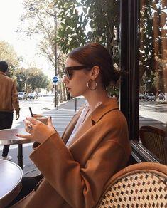 New Ideas For Dress Classy Beautiful Fashion Parisian Style Fashion, Trend Fashion, Look Fashion, Girl Fashion, Fashion Outfits, Fashion Foto, 80s Fashion, French Girl Style, French Chic