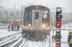 Sistema metropolitano de transporte de Nova York, segue com dificuldades devido forte nevasca