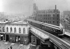 Lookingnorth from the platform at Chicago and Franklin, 1900, Chicago. The structure just below the tracks is still there. via chicago-l.or...