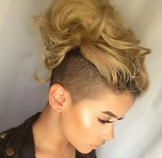 Blonde Contouring - 40 Chic Angled Bob Haircuts - The Trending Hairstyle Undercut Hairstyles, Undercut Bob, Mohawk Updo, Shaved Hairstyles, Angled Bob Haircuts, Half Shaved Hair, Natural Hair Styles, Short Hair Styles, Hair Addiction