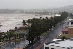 Woeste orkaan gooit haai op strand in Australië Het belang van limburg 20/02/'15 Australië