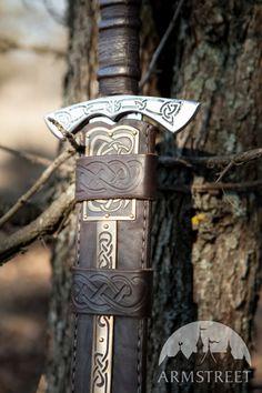 Средневековый меч Оболочка