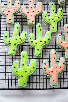 alisons-cookie-party-cactus-cookies, cactus sugar cookies, pink and lime green Cute Cookies, Cupcake Cookies, Sugar Cookies, Cactus, Office Birthday, Birthday Parties, Dessert Original, Pastel Cupcakes, Festa Party