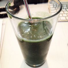 Banana, pineapple, coconut milk, pineapple juice, spirulina #smoothie #supergreen